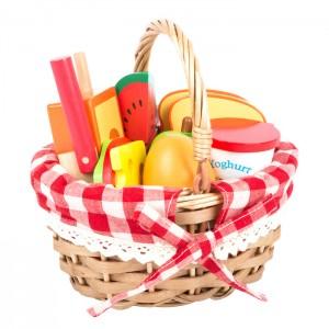 Košara za piknik z dobrotami