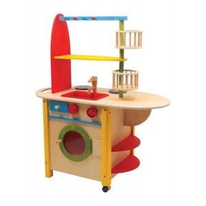 Otroška lesena kuhinja - Vse v enem