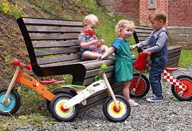 Zakaj naj bo poganjalec prvo kolo za vašega malčka